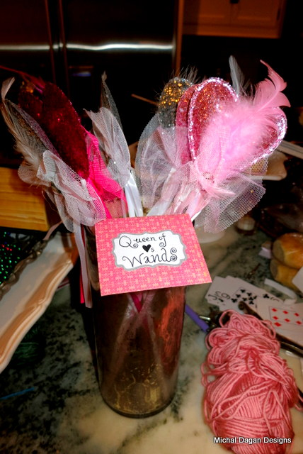 And how could we NOT have Queen of Hearts wands???